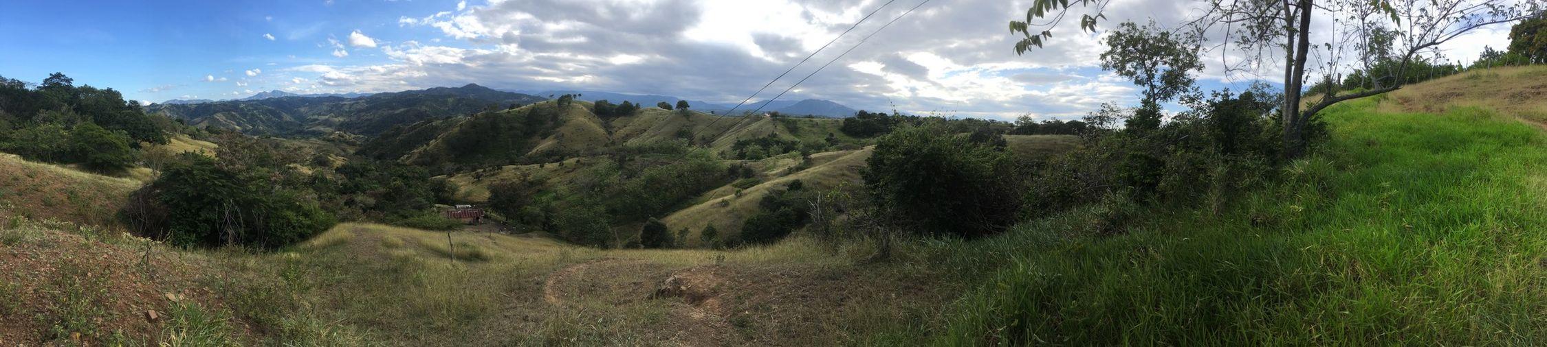 Esta sitio de al país es lo más bonita. Dominican Republic Santiago Peace Corps Hillside Countryside