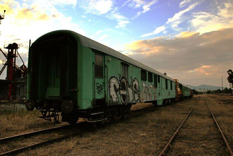 Traveling Train Nice Atmosphere Landscape Trainyard