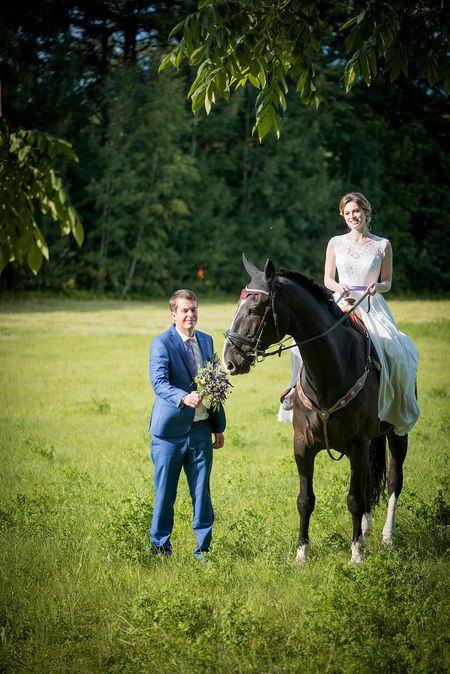Field People Of EyeEm Wedding Wedding Bouquet Wedding Photography Wedding Photoshoot Adult Adults Only Animal Themes Bride And Groom Bridegroom Day Full Length Grass Happiness Horse One Animal Outdoors People Performance Smiling Tree Two People Wedding Dress Young Adult