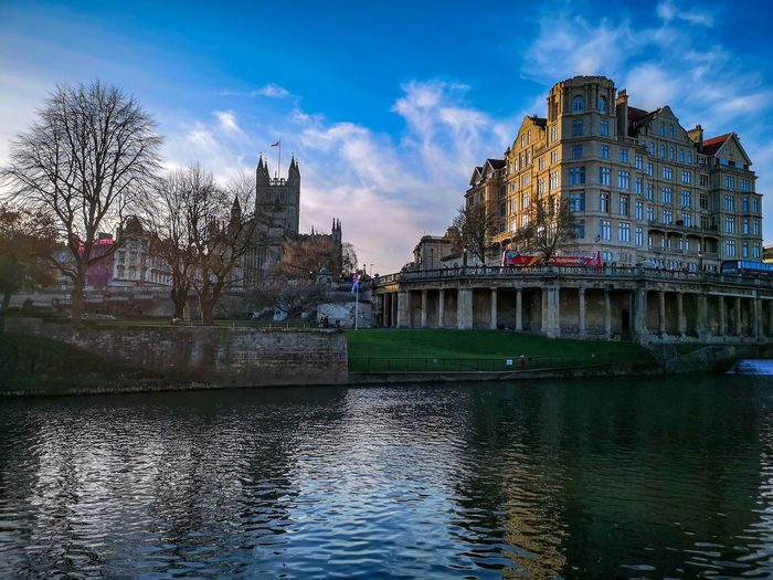 bath spa Bath Spa cityscapes EyeEmNewHere Bath Spa Streetphotography Weir Eyeemphotography Water City Sunset Reflection Sky Architecture Postcard River Riverbank Riverside Bridge - Man Made Structure Historic Cityscape