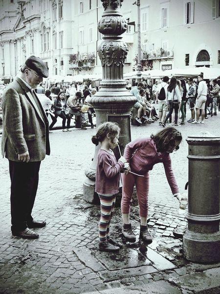 """Family"" - Roma Popular Photos Streetphotography Roma Family Time"