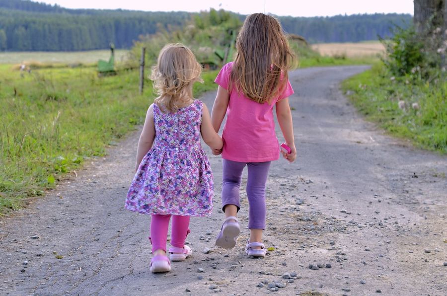 Children Love Sisters
