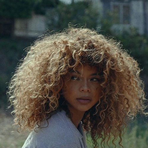 Crystal Westbrooks Curly Hair Natural Hair Blonde Hair Afro Beauty Aesthetics Gorgeous Fashion Urban Fashion Urbanstyle Longhair Long Hair Photography Freckles Freckleface Hairgoals Afrohair Model Mixed Girl