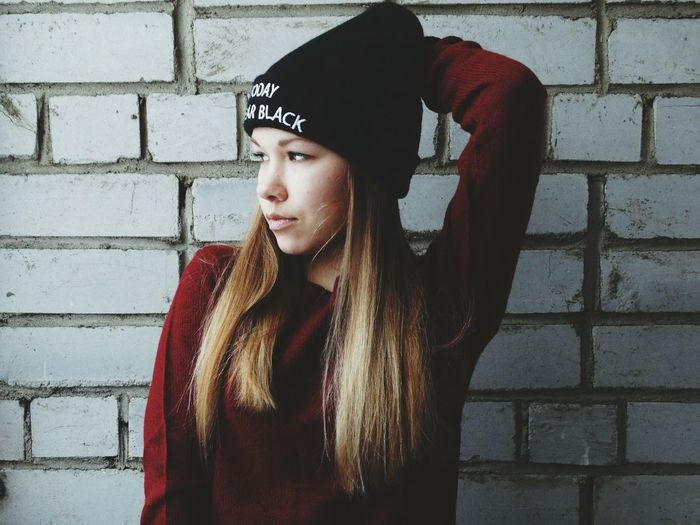 Only Women One Person Leisure Activity Knit Hat People Adults Only One Woman Only Day Adult Outdoors Young Adult First Eyeem Photo