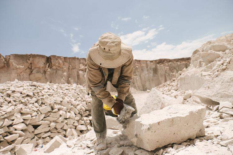 Canteras del Sillar Arequipa Canteras De Sillar Construction Site Digging Hardwork Landscape Mining Occupation Outdoors Peru Quarry Rocks Salt - Mineral Sillar Unique Whitelandscape Worker Working