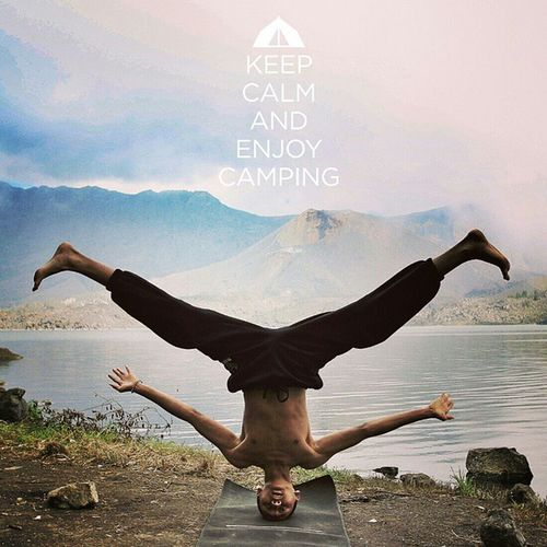 Keep Standing Strong like a Mountain! ? @bobyn at Segara Anak Rinjani Headstands Segaraanaklake Rinjanimountain Barujarimountain yogapose explorelombok exploreindonesia jelajahlangit expedition