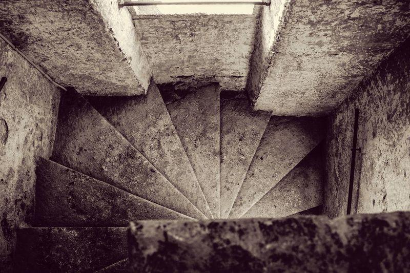 B&W stairs Noir Et Blanc Blackandwhite Stairs Italia Architecture Monochrome Nikon Verona Italie Vérone