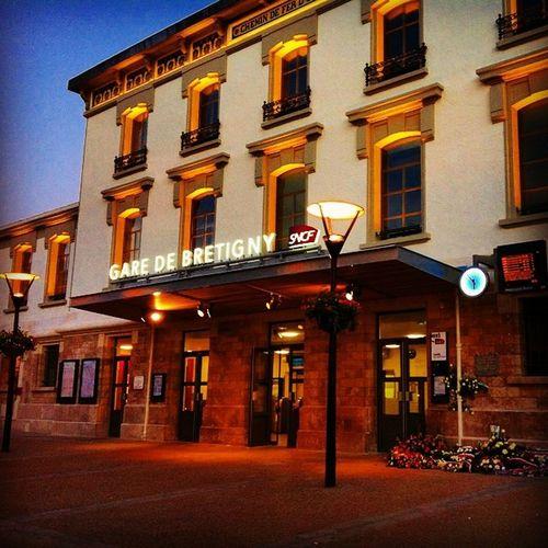 Sncf Bretigny Transilien RER lignec phoenix olivierjunior trainstation gare light