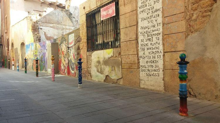 Streetart Curiosities Tarragona, España Colours