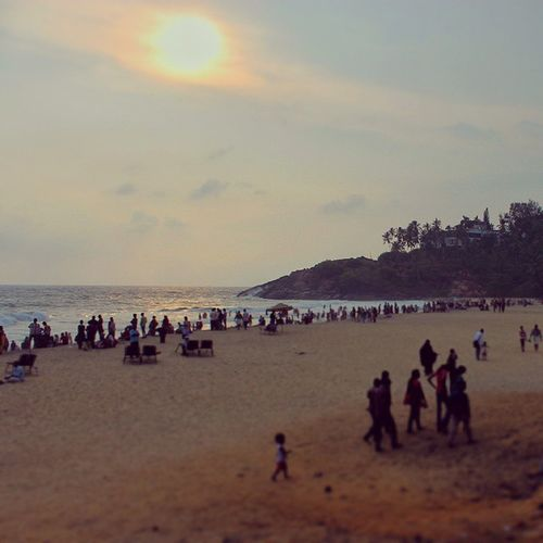The UdaySamudra Holel cliff face from the Eve 's Beach , Kovalam , Trivandrum , Kerala