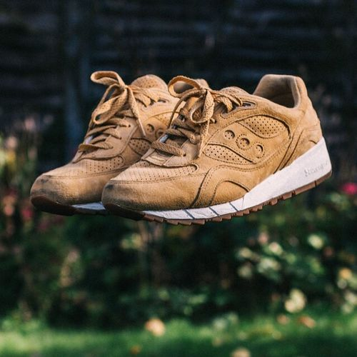 Floating saucony shadow Irish coffee's Outdoors Focus On Foreground Day No People Zoology Sneaker Trainer Fashion Photo Manipulation Out Of The Box