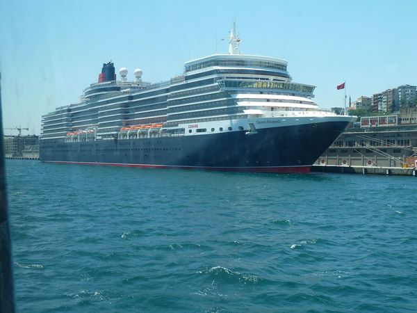 Big Ship Queen Elizabeth  Bosporus Holidays