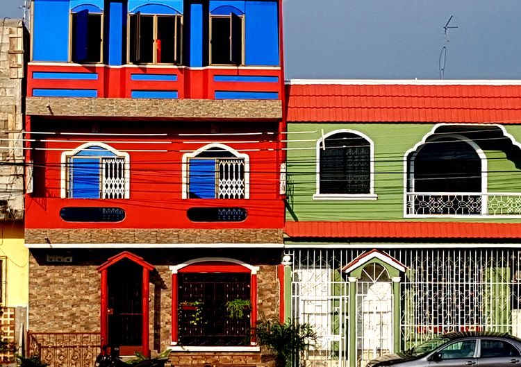 #samsungs7 Guayaquil Ecuador EyeEm Selects City Red Multi Colored Window Full Frame Architecture Building Exterior Built Structure