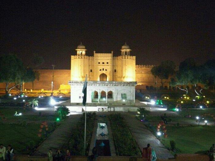 . Lahore Beauty Of Pakistan Night View Enjoying Life