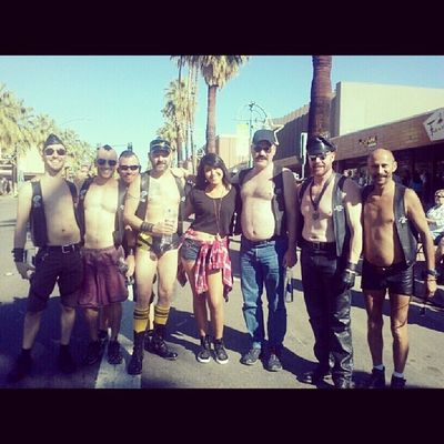 SUPORTING THE GAY PARADE IN PALMSPRINGS^_^<3 Gotta love my menGay pridePalmsprings loveLove the heatgay parade':)