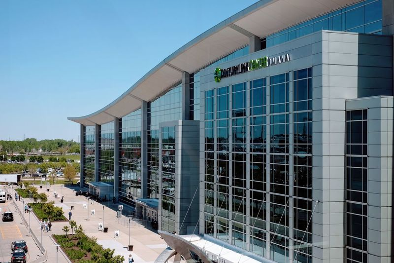 2017 Berkshire Hathaway Annual Shareholders Meeting Saturday, May 6, 2017 CenturyLink Center Omaha 455 North 10th Street Downtown Omaha, Nebraska http://www.berkshirehathaway.com/sharehold.html https://finance.yahoo.com/brklivestream Architecture Berkshire Hathaway Building Exterior Built Structure CenturyLink Center CenturyLink Center Omaha Convention Center And Arena City Life Documentary Documentary Photography From Above  Lifestyles Modern Modern Architecture Money Around The World Omaha, Nebraska Outdoors Photojournalism Social Issues Windows Windows_aroundtheworld Woodstock For Capitalists