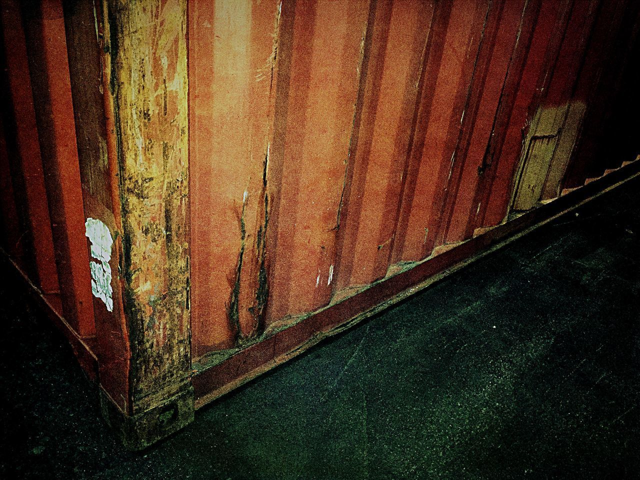 weathered, no people, indoors, rusty, wood - material, abandoned, metal, decline, deterioration, textured, pattern, damaged, old, day, built structure, run-down, architecture, close-up, wall - building feature, obsolete, iron