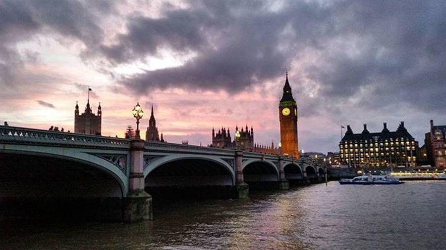 Atardecer a las 15:45 😧 Bigben London Sunset