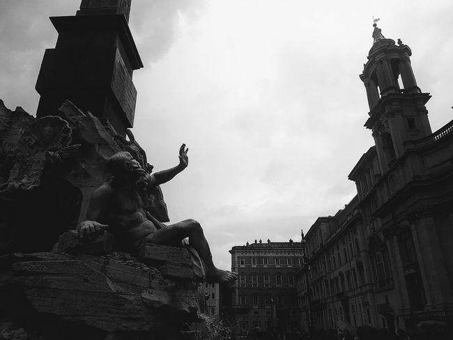 City Sculpture Statue History Monument Sky Architecture Building Exterior Human Representation