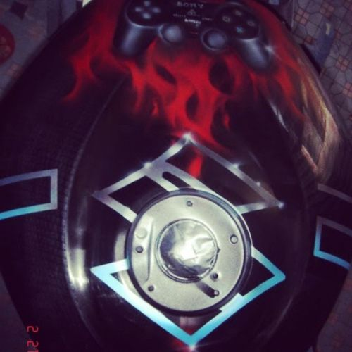 More Throwbackthursday  of when I used to paint Motorcycleshit Gixxer carbon wrapped tank....people have the weirdest imaginations. Whateverfcuk artisart FTW