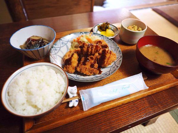 Kyoto Japan Higashiyama Rojiusagi Cafe Lunch Rojiuzen Chicken Japanese Food Delicious PEN-F Olympus 京都 日本 東山 ろじうさぎ 昼ごはん ろじうぜん 日本食