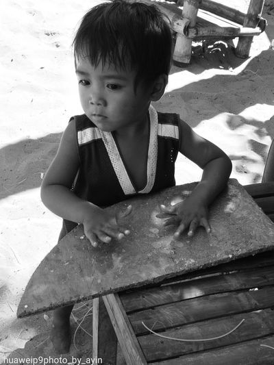 Child Beach Sand Childhood Phonephotograpy Mobilephotography Huaweiphotography HuaweiP9Photography Leicap9 Leica_camera