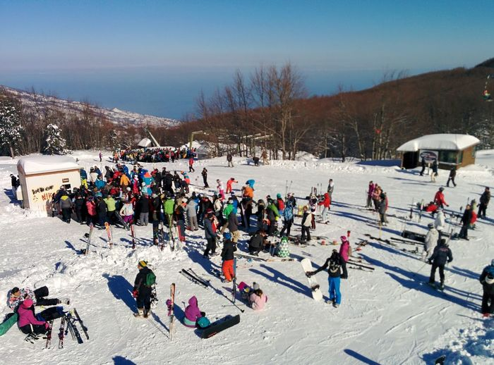 Waiting to go on the ski lift Chania Ski Resort Magnisia Volos Thessaly Piste Waiting Waiting In Line From Above  Warm Clothing Snowboarding Tree Ski Holiday Snow Cold Temperature Winter Sport Mountain Winter Sport Ski-wear Skiing Ski Slope Ski Lift Ski Track