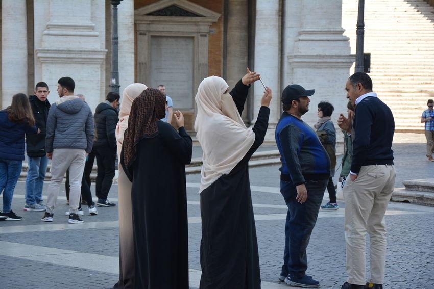 Roma Turist Place Of Worship Religion Temple