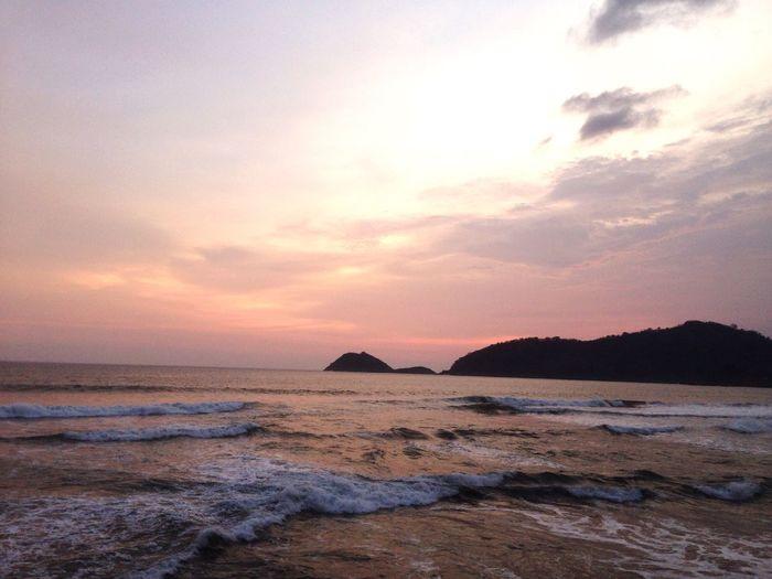 Soud of wave Beach Beachphotography Wave Romantic Sky Moody Sky