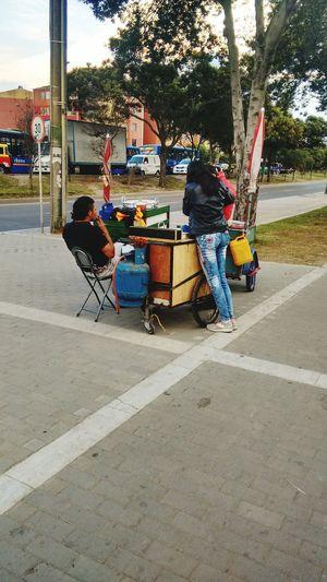 Bogota,colombia. Trabajando Trabajo Trabajando... Trabajo Duro Puestocallejero Puestos Callejeros Puestos Ambulantes Puestosenlacalle
