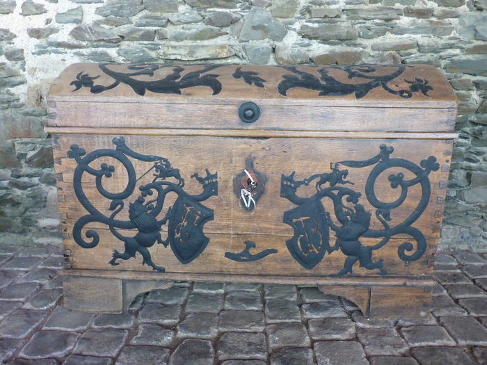 Ancient Box Castle Historical Building Mosel Pyrmont The Past Observer Chest Germany History Architecture Old Trunk