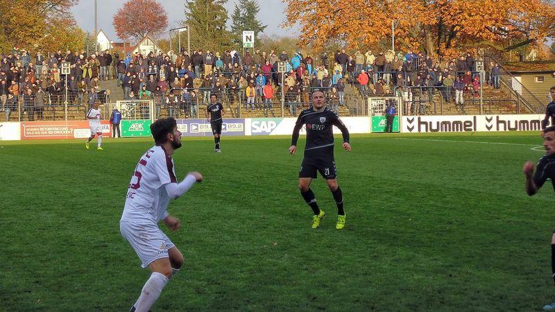 Potsdam Fussball BFC Bfc Dynamo Babelsberg 03 Soccer Autumn Leaves