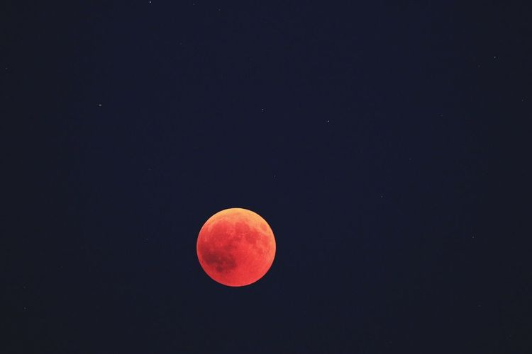 EyeEm Selects Space Astronomy Sky Moon Beauty In Nature Tranquil Scene Orange Color Natural Phenomenon Night Tranquility Full Moon