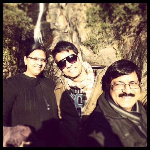 Time spent wid family is undoubtedly the best way to keep u goin... ! ♥ Ma n pa