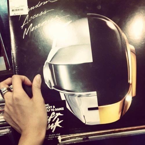 黑膠唱片!!! Daft Punk 傻瓜龐克 🎧🎸 Daft Punk Daftpunk  傻瓜龐克 黑膠 松煙 誠品 C D