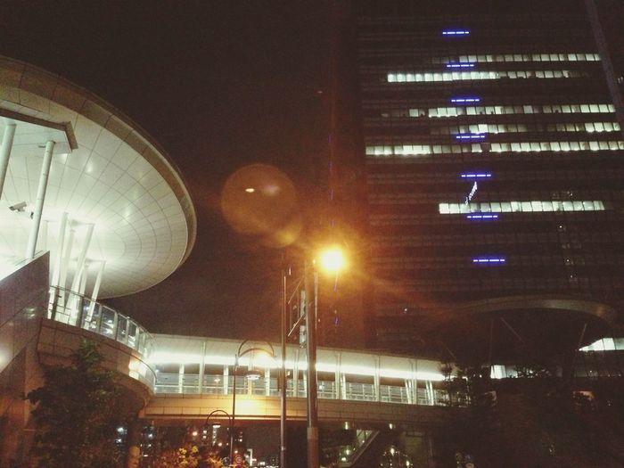嵐の前の静けさ Tokyo Company Night Building