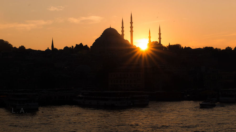 Architecture Distant Dome Islam Light Mosque Ottoman Architecture Religion Spirituality Suleymaniyemosque Sunset Sunset #sun #clouds #skylovers #sky #nature #beautifulinnature #naturalbeauty #photography #landscape Sunset Silhouettes Tourism Tranquility Travel Travel Destinations