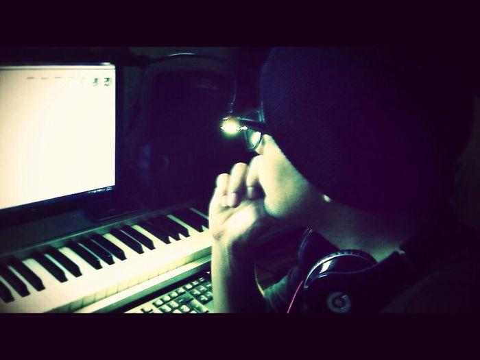 haciendo un poco de musica :)
