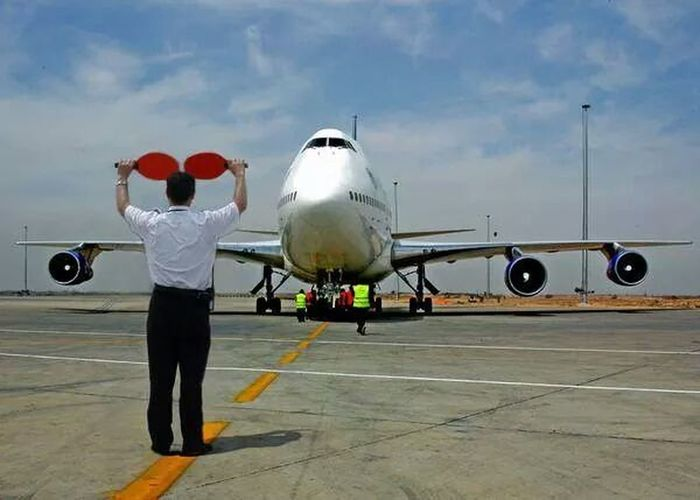 syrian air 747 Boing at Damascus airport . Overwhelmed