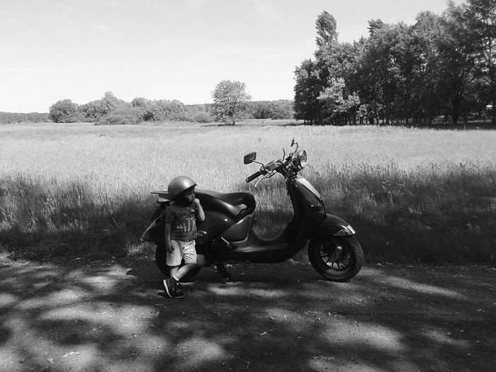 Mode Blackandwhite So Cute So Cool Growing Up Land Vehicle Nature Day Motorcycle Helmet Lifestyles Road Field #FREIHEITBERLIN The Great Outdoors - 2018 EyeEm Awards The Traveler - 2018 EyeEm Awards Summer Road Tripping The Traveler - 2018 EyeEm Awards #urbanana: The Urban Playground