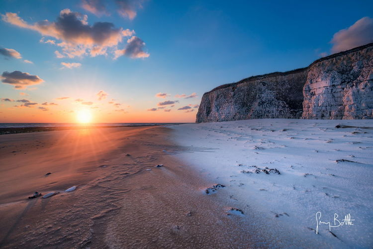 Snow on the beach, Joss Bay Sand Beach Sun Landscape No People Snow Covered Snowscape Sunrise_Collection Dawn Of A New Day Landscape_photography Broadstairs Sony A6500 Sunrise_sunsets_aroundworld Sonyalpha EyeEm Best Shots - Landscape Eye4photography  Beach Photography Snow
