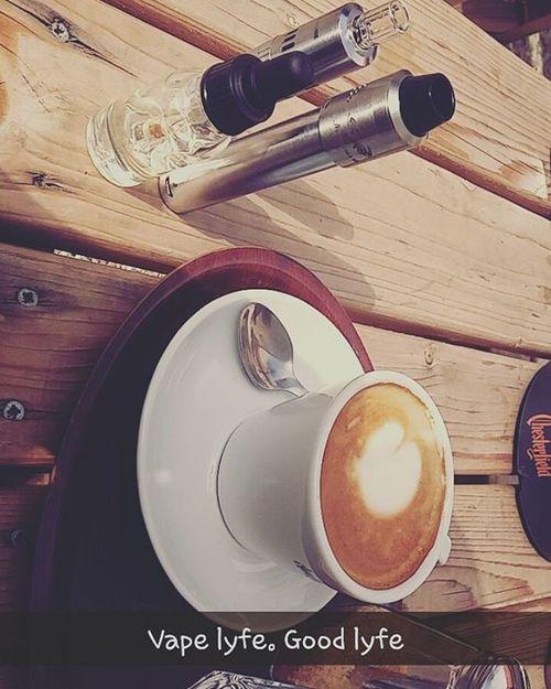 Coffe time. Vapeeverydamnday Smokingisdead Vapingisthefuture Andthefutureisnow Vape Coffe VapeLife Vapelyfestyle .