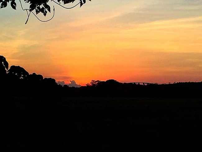 Taking Photos Enjoying Life Taking Photos Localphotography A Week On Eyeem Sunset #sun #clouds #skylovers #sky #nature #beautifulinnature #naturalbeauty #photography #landscape