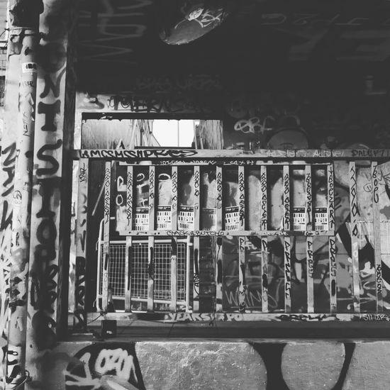 London Graffiti Showcase: January Shades Of Grey Leake St