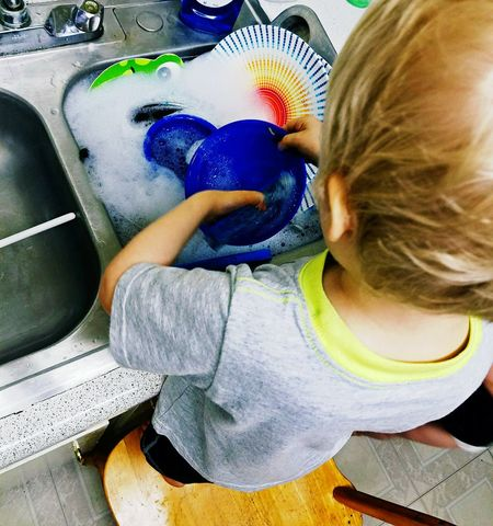 The Portraitist - 2016 EyeEm Awards Four Year Old Chores Never Too Early Never Too Early To Learn Morals  Working Hard Work For It Nothings Free Cooperation Soap Soap Bubbles Kitchen Structure Everyday Life Home