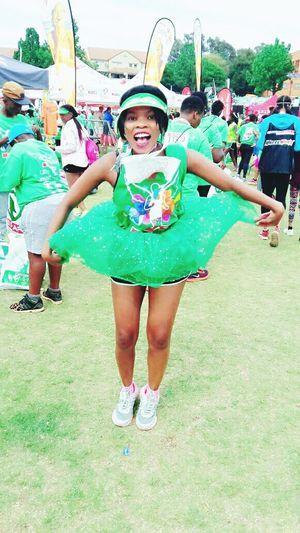 Runnersworld Fun Race 10km Run Green Green Green!  Happiness Happiness Fun Girls Enjoyment Cheerful Leisure Activity