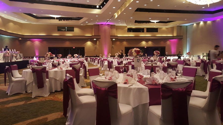 Weddingdecor Wedding Floral Pink Color No People Flower Arrangement Centerpieces Chaircovers Weddinglinen Hawaiiwedding Weddingdesign