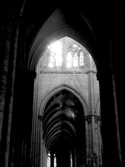 Arches Amiens Cathedral Amiens Cathedral Des Notes Dames Architecture Light Place Of Worship Architecture