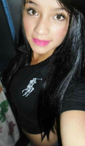 Mamasita Taking Photos Lips #love #smile #pink #cute #pretty Sexywoman Sexylips Mujereslindas SexyGirl.♥ Beautiful ♥ Womensfashion Latinas