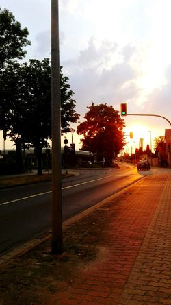 Way home.... Taking Photos Check This Out Summer ☀ Evening Light Evening Sun Sundown Traffic Lights Way Home From Work Urban Exploration Discover Your City Magdeburg Hot Weather How Is The Weather Today? Summer Is Here Summer Vibes Colours Of Summer Sky And Clouds Showcase July Summer 2016 Capture The Moment See What I See The Places ı've Been Today July 2016 43 Golden Moments Summerdays